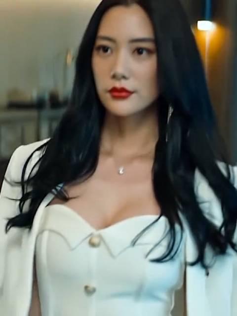 克拉拉不愧是亚洲第一美女啊
