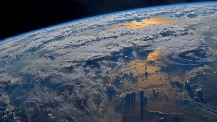 宇航员杰夫·威廉姆斯在国际空间站拍摄到的地球