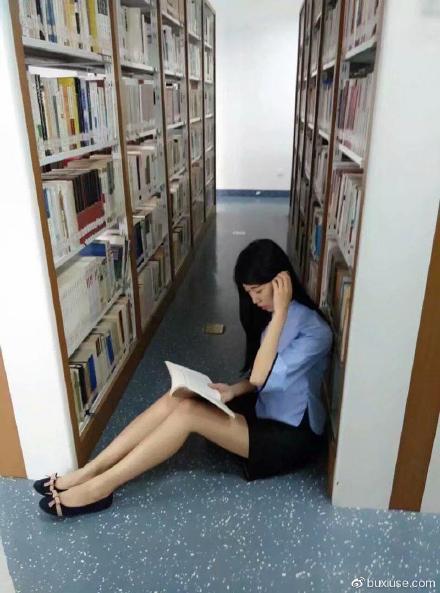 现在图书馆开了么