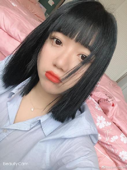 我需要适应一下我有刘海的样子
