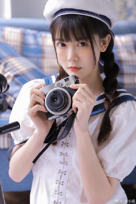 @ -梁小萌 少女水手服,附高清无水印图包 www.coserba.com整理发布
