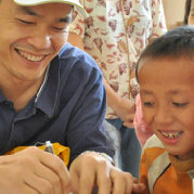 【钢丝善行团】第1404288号。 做志愿者,需要爱心,恒心,平常心。做公益项目,需要合作共享,做好团队管理。