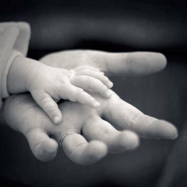 一个小男孩的妈妈