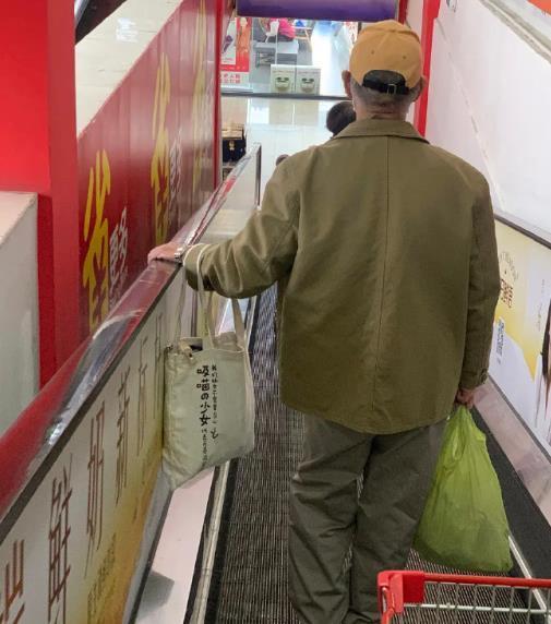 超市里随便逛逛-前方高能