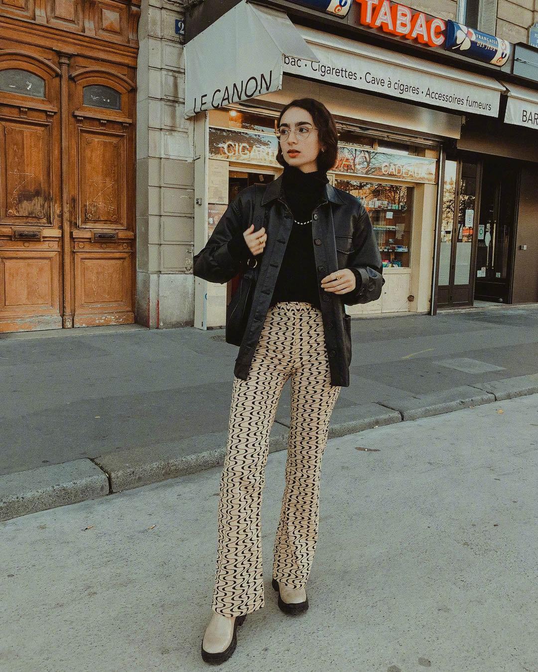 眼镜女生的日常私服,生活在巴黎的ins博主Pia Moubayed-itotii