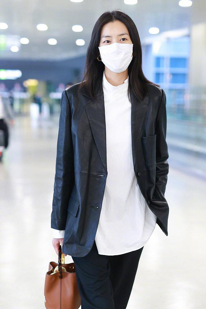 刘雯机场时尚秀