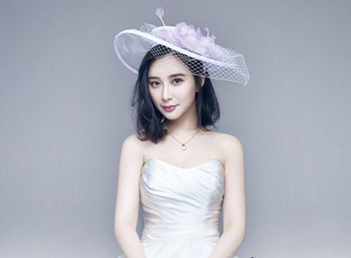 一字肩新娘短发戴头纱发型