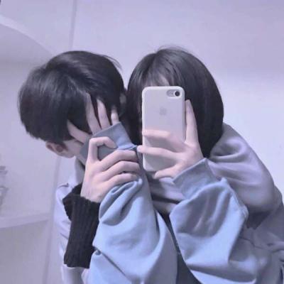 幸福情侣头像甜蜜拥抱亲吻,现在要加倍珍惜现在的美好