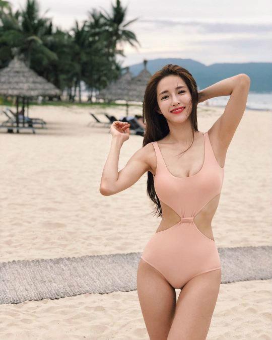 韩国健身达人,最美马甲线—姜贤京