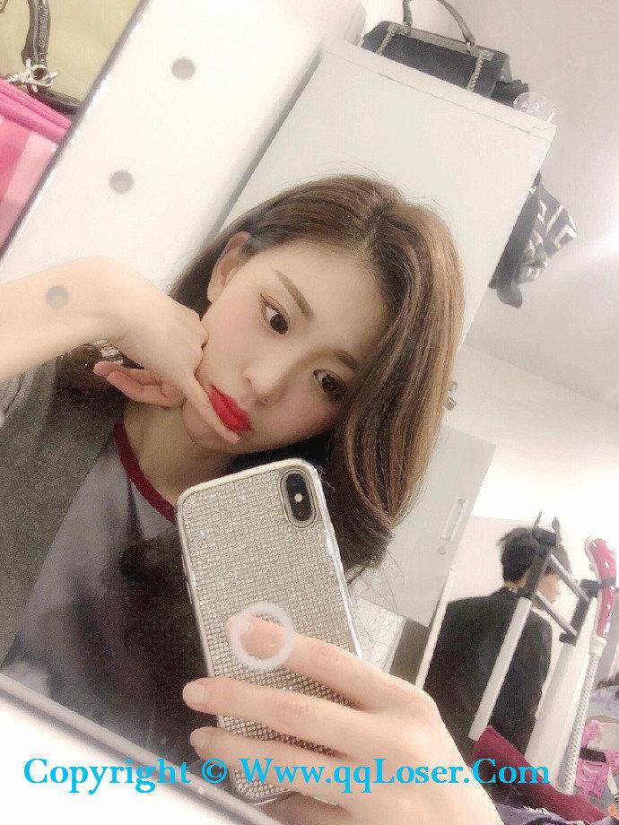 重庆车展「Amy张炎」网友小张已上线 并向您抛了个媚眼!