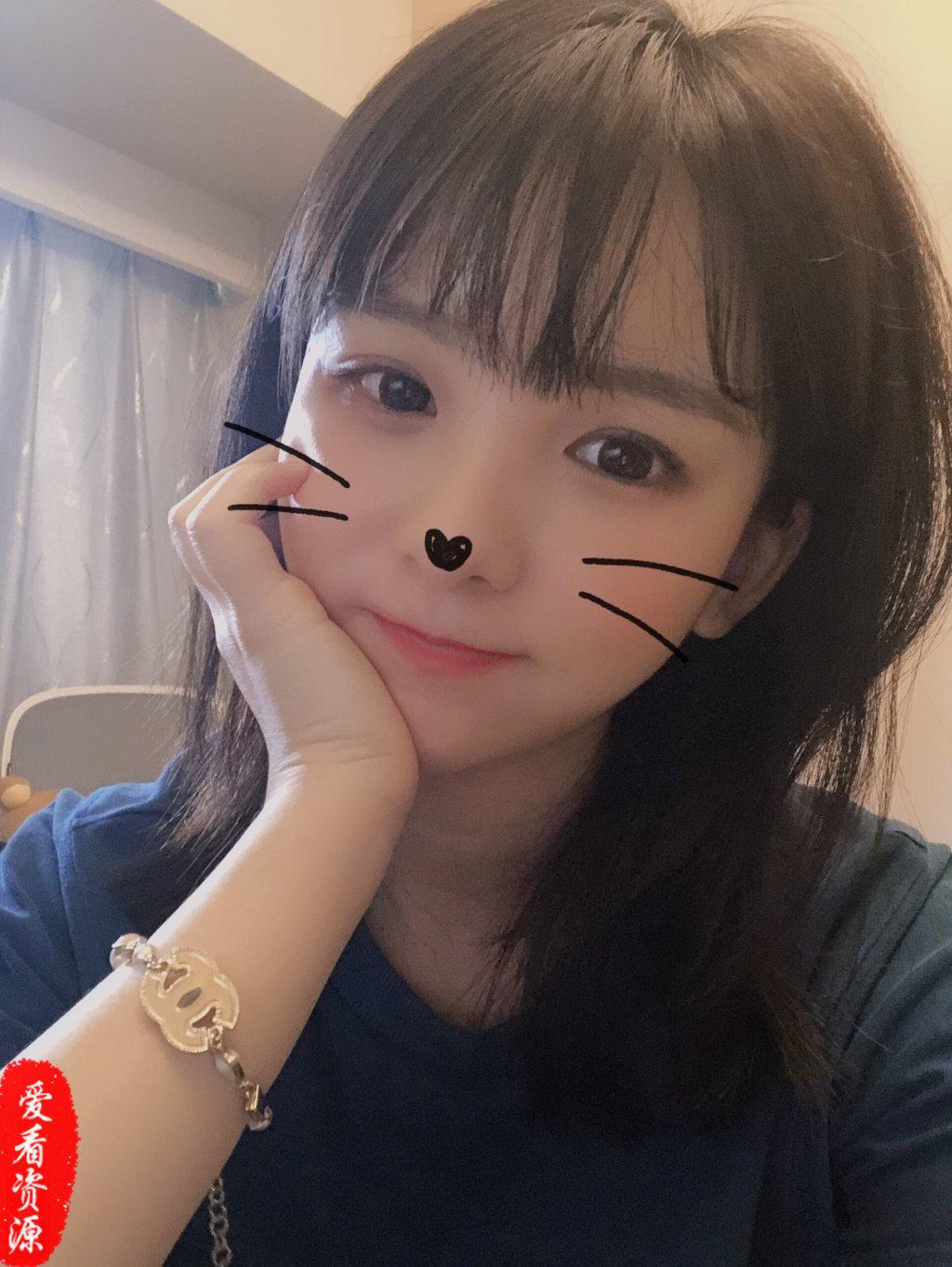 成功捕获一名萌妹子「赵小臭」虎牙LOL主播!