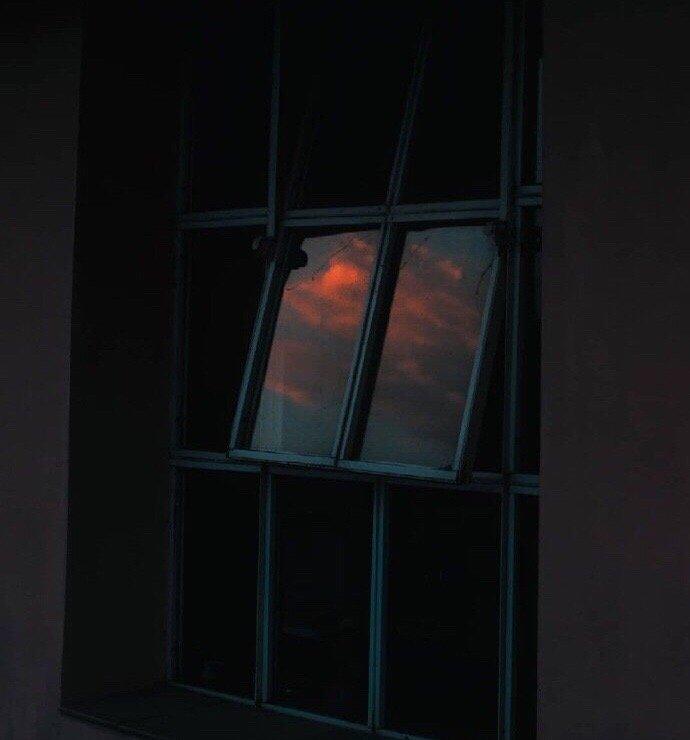 晚安心语语录句子0425:夜街夜景夜逐灯,且忘且停且随风