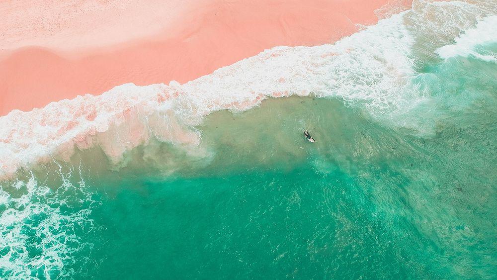 微软放出沙滩海浪主题的免费Win10壁纸包的照片 - 1