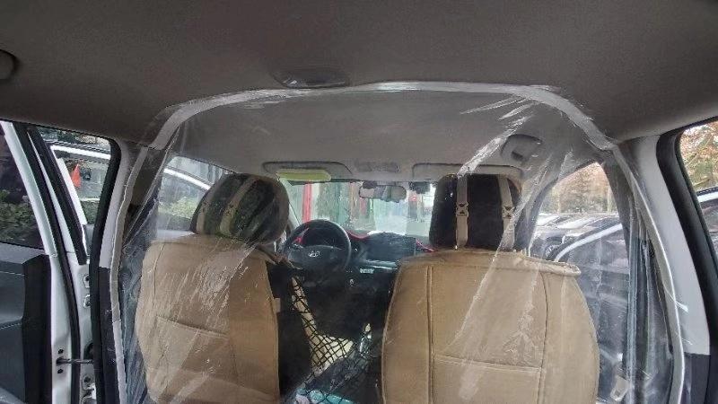 滴滴正尝试在网约车内加装防护隔离膜的照片 - 1