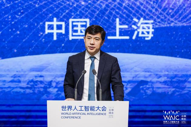 李彦宏:人类终将进入智能社会 AI发展经历三大历史阶段