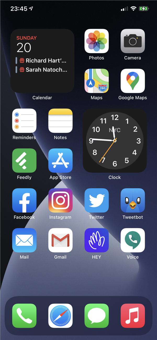 iOS 14支持小部件了 苹果用户花式秀桌面:会玩的照片 - 4