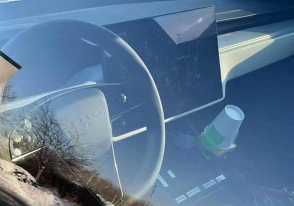 新款特斯拉Model S谍照曝光:科幻方向盘没了的照片 - 2