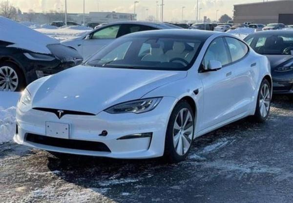 新款特斯拉Model S谍照曝光:科幻方向盘没了的照片 - 3
