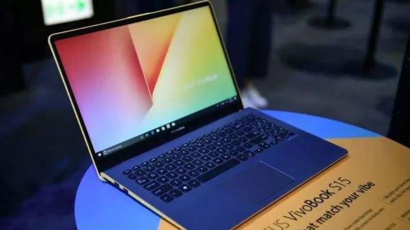 冷知识:笔记本电脑插电和不插电性能差异有多大?的照片 - 1