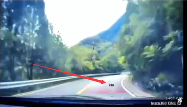 遥控车跑山引热议 当事人回应称遭受到堵门的照片 - 2