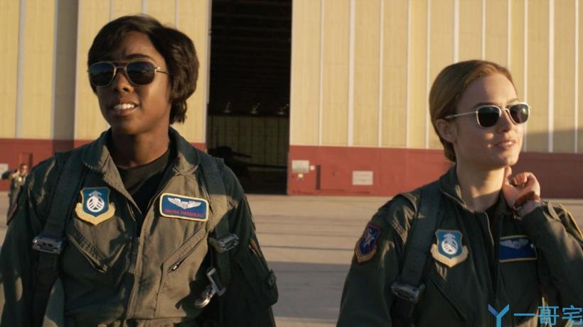 《惊奇队长》被萨诺斯弹回九十年代,这才是她时空旅行的真相