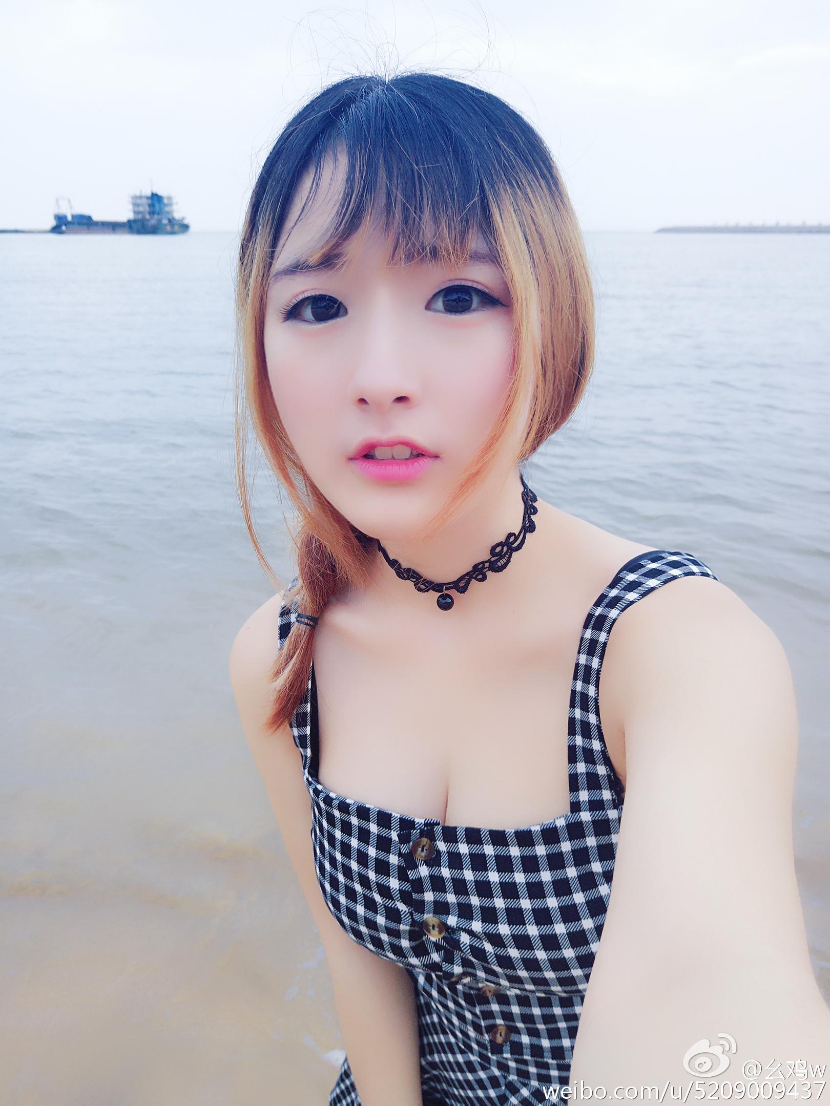 幺鸡w今天又去海边走了走 看着我女神狗拍日常❤_美女福利图片