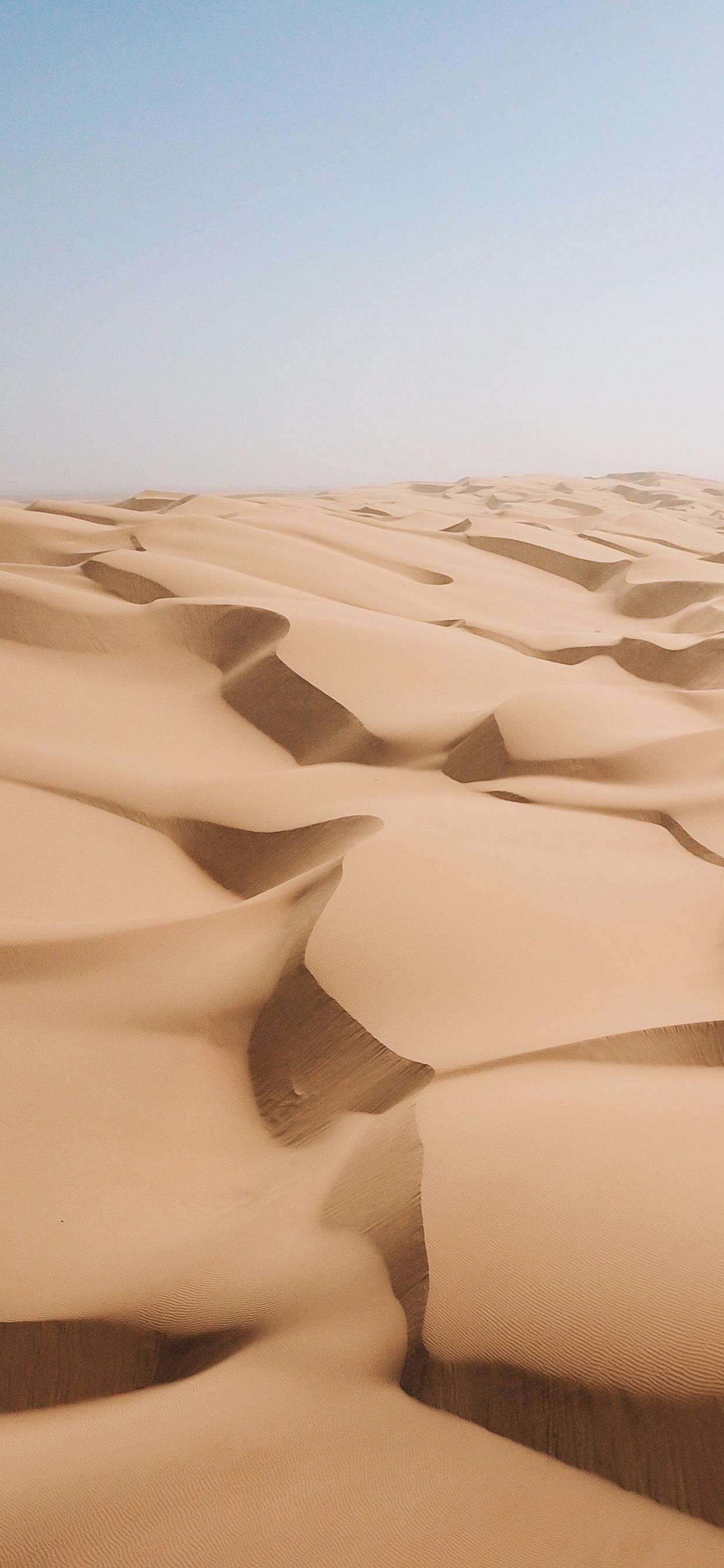 多彩沙漠风景图片手机壁纸