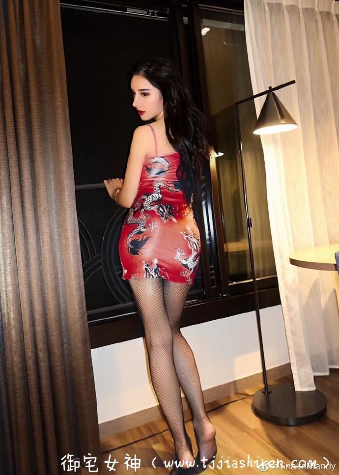 中国内地极品网红嫩模巨乳御姐陈美琳(Mandy),新浪认证34E罩杯F奶女神推女郎傲人双胸+性感大长腿,魔鬼身材堪称现实版金刚芭比!