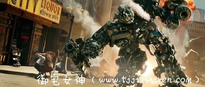 美国经典科幻动作电影《变形金刚 Transformers (2007)》第一部心得体验观后感解析,豆瓣评分8.2无可超越的史诗巨作!