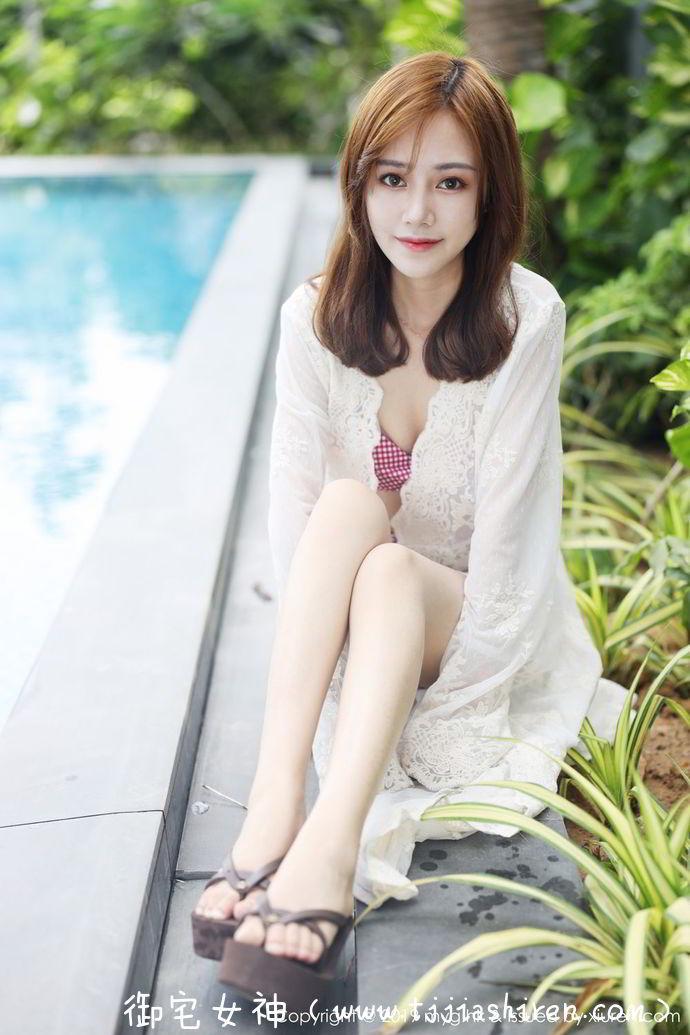 """中国大陆美媛馆网红模特Toro羽住,实力诠释完美身材被誉为""""腰窝女神"""",作风大胆豪放半裸、全裸、湿身各种大尺度轻松玩转自由变换各种形态!"""