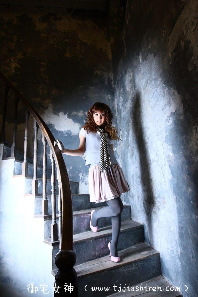 日本人气模特椿姫彩菜(中村有里 , Ayana Tsubaki),从小患有性别认同障碍遭到歧视,毕业之后选择前往泰国接受变性手术彻底变为女性,出版自传《我出身男校》揭露内心历程!