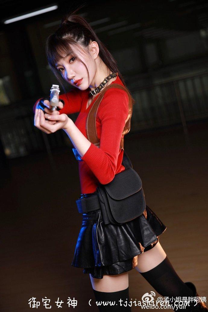 超级萌系兔属性元老级Coser「孟晓蓉Yuri」微乳身材太犯规拥有跨次元的美貌和身材,不管是甜美可人还是性感迷人的cosplay角色都能完美注入灵魂,充满梦幻感的可爱气质让人感觉非常不真实!