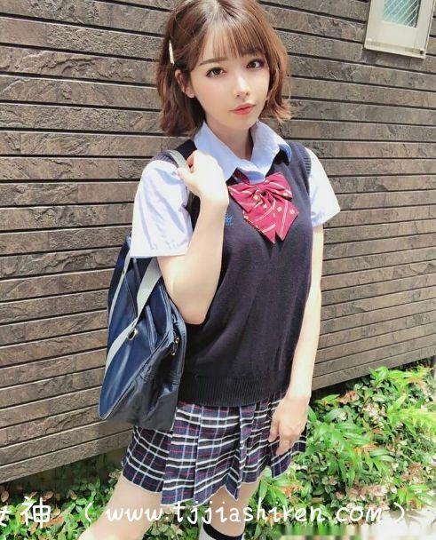 ATID-384,深田咏美(深田えいみ)首次男扮女装训话下属惨遭识破被制裁!