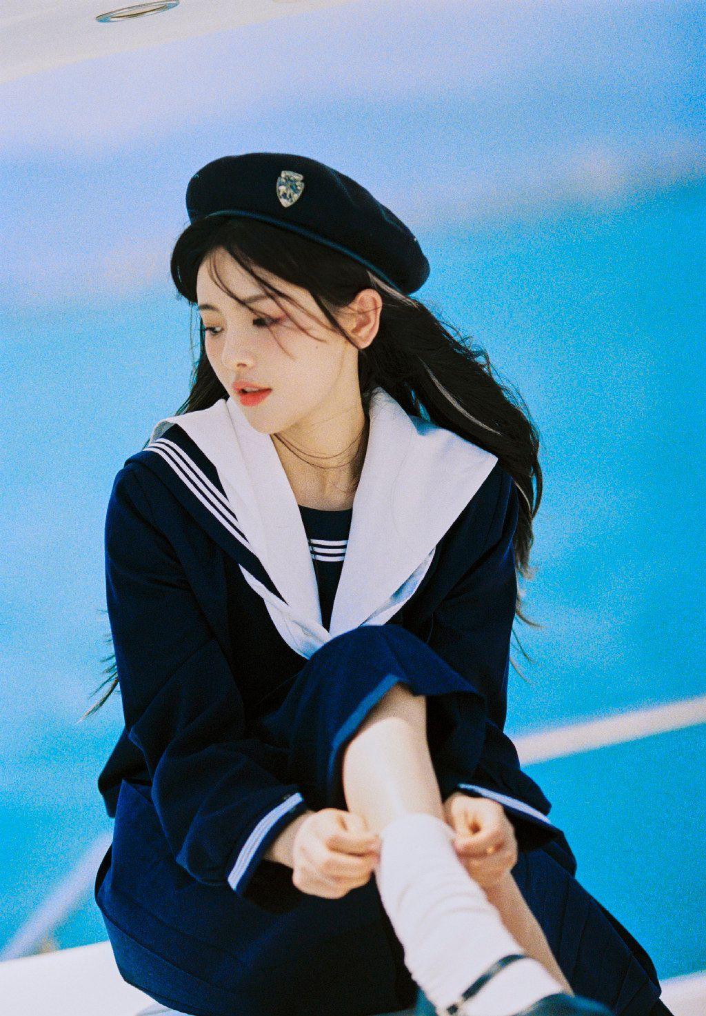 杨超越水手制服装清新氧气写真图片