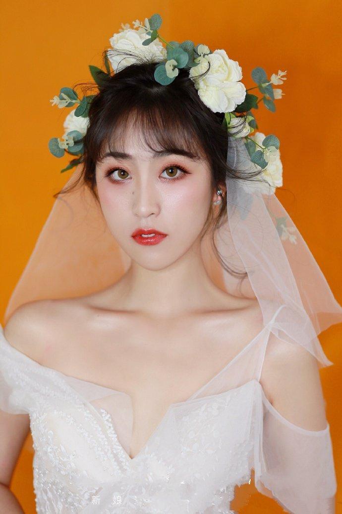盘发新娘发型唯美空气刘海图片