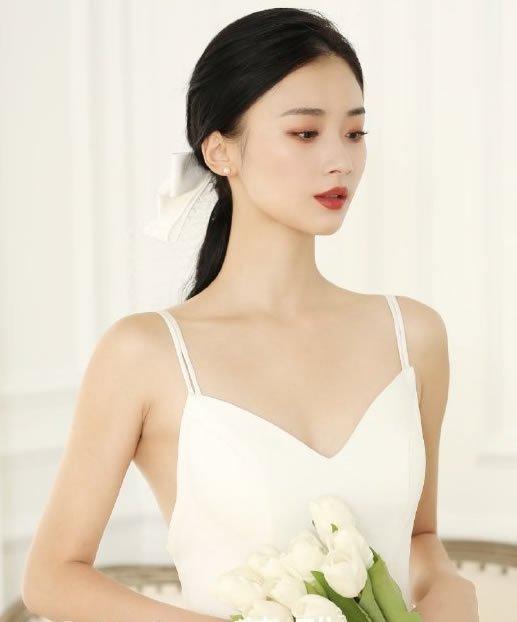 最新韩式新娘发型低扎马尾图片
