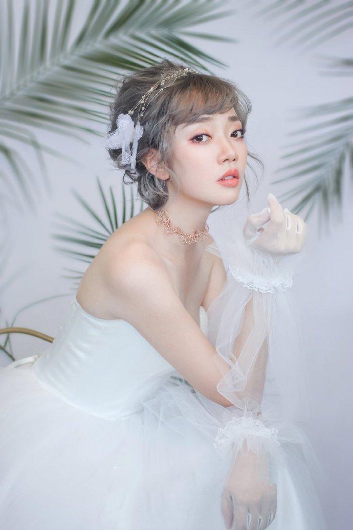 森系小清新韩式婚纱照新娘发型