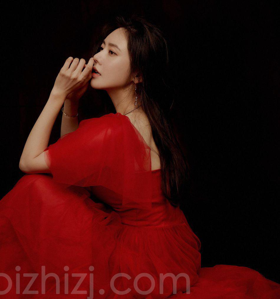秋瓷炫纸质柔性优雅迷人写真登杂志图片