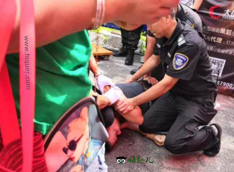 任达华在大陆参加活动被捅了,袭击者被当场控制(视频) 嗨头条 第2张