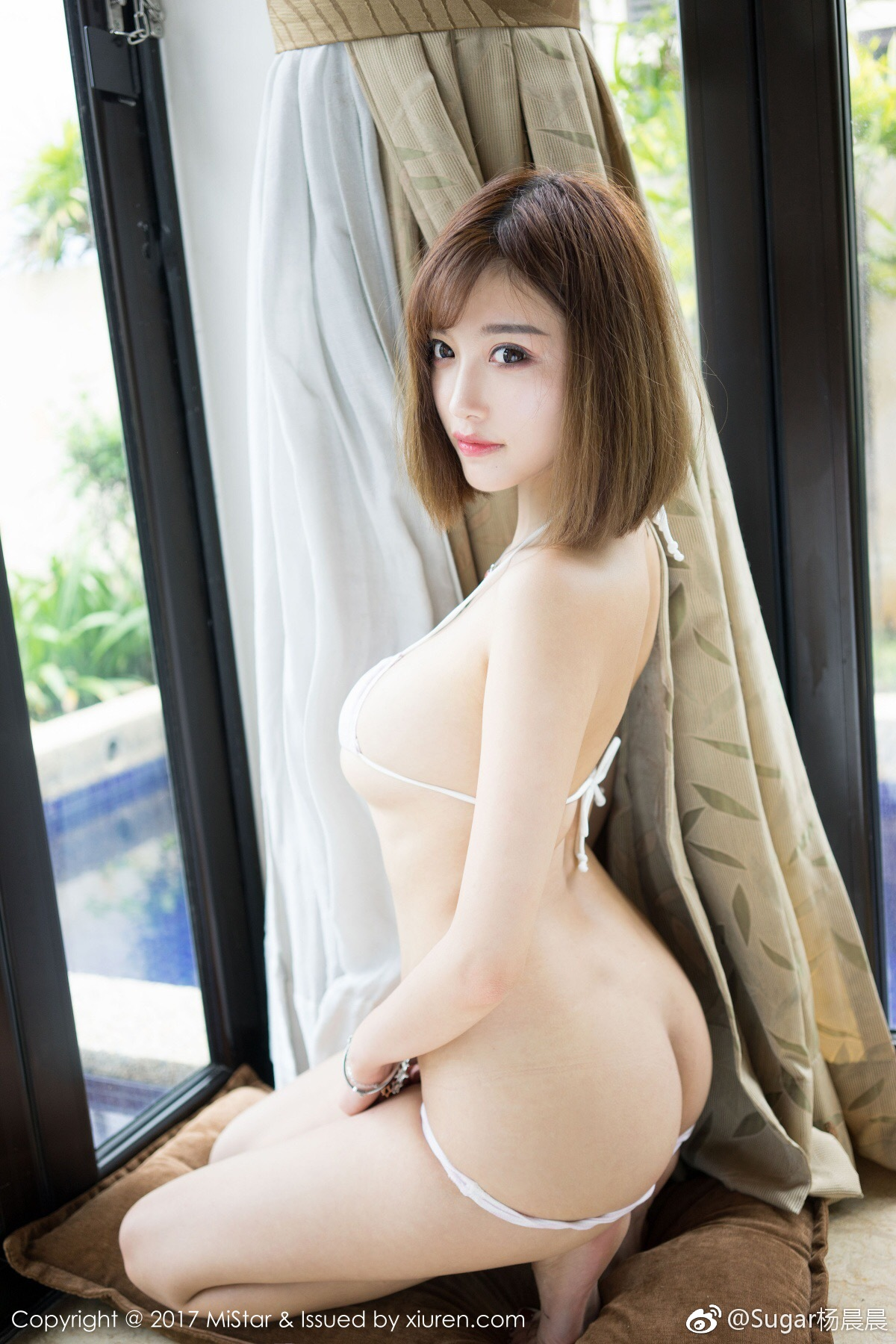 Sugar杨晨晨短发女生也可以性感和可爱[二哈]全套图下_美女福利图片(图7)