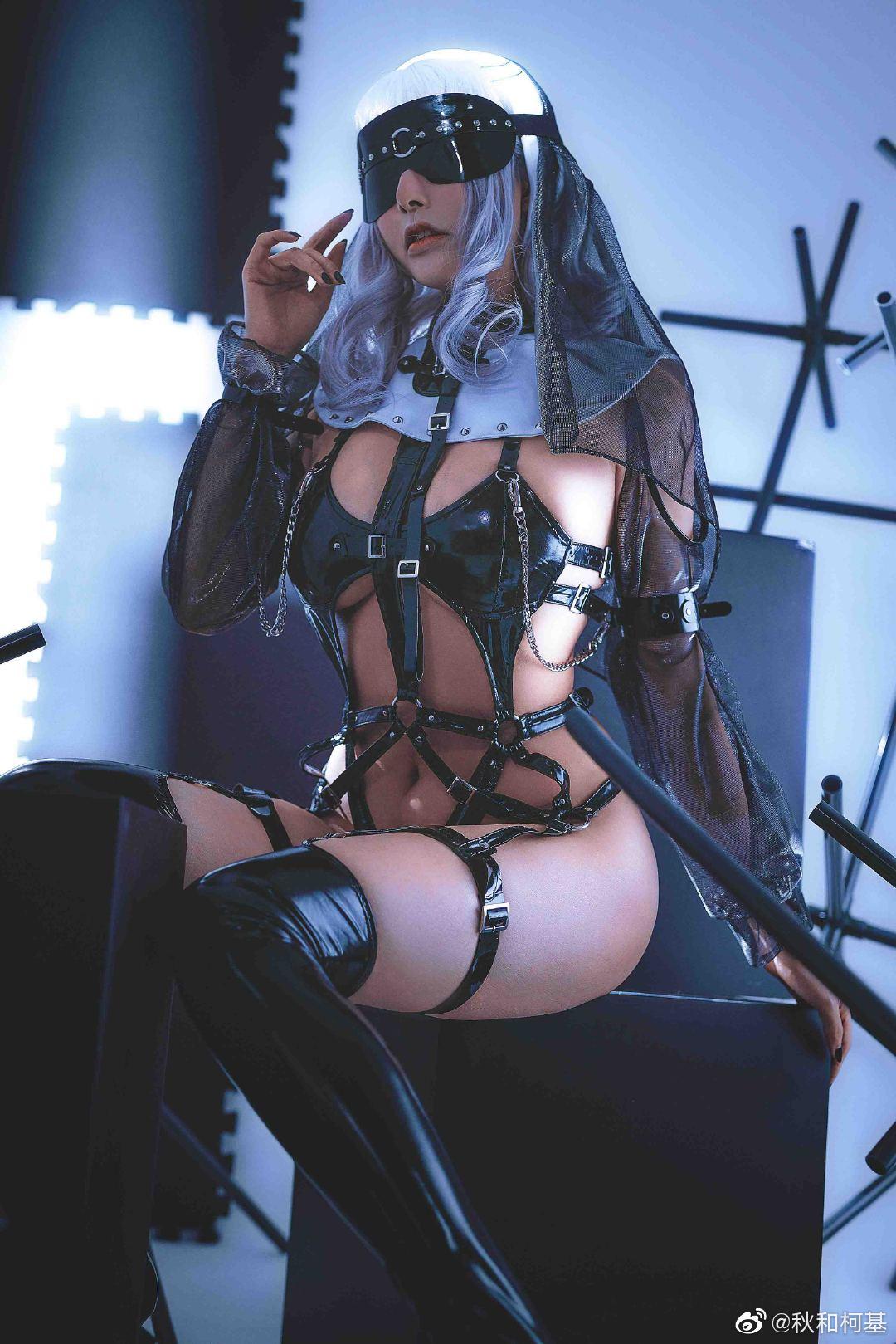 苦行修女2之《银发圣女》 Cosplay-第1张