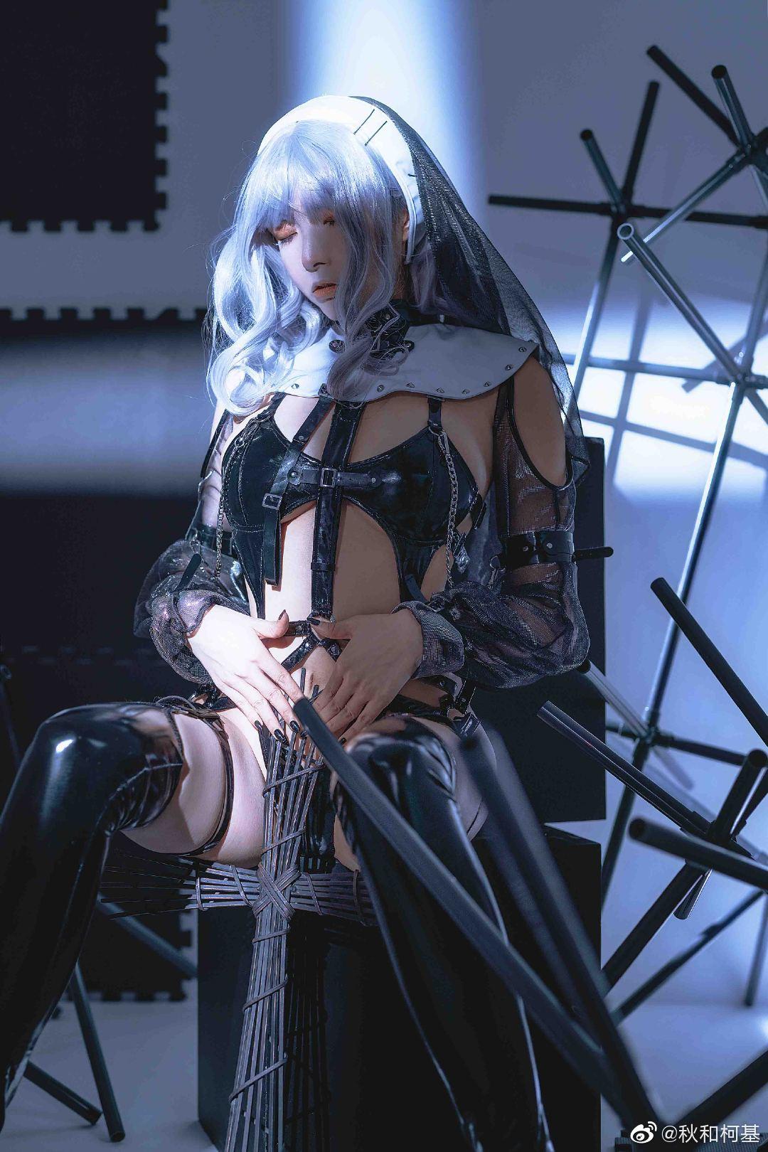 苦行修女2之《银发圣女》 Cosplay-第5张