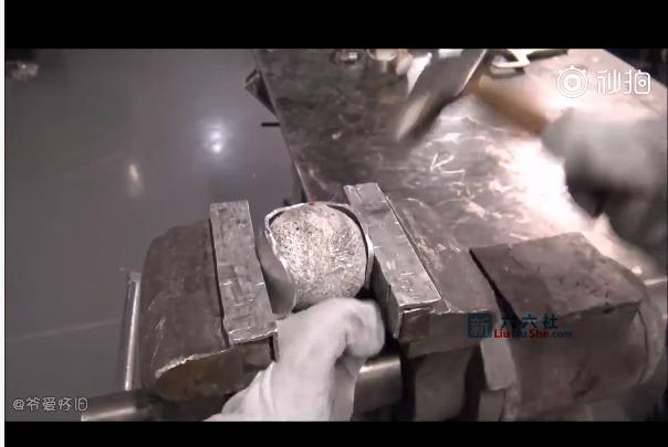 手工大神用锻造法(非铸造)制作一只空心抛光铝球 liuliushe.net六六社 第3张
