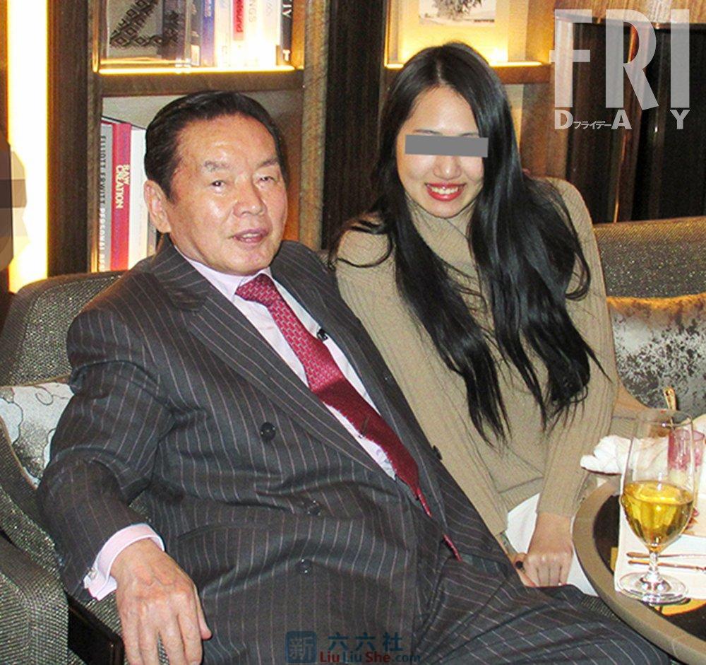 77岁富豪睡过4000妹子,最终倒在22岁素人嫩妻身上 liuliushe.net六六社 第3张