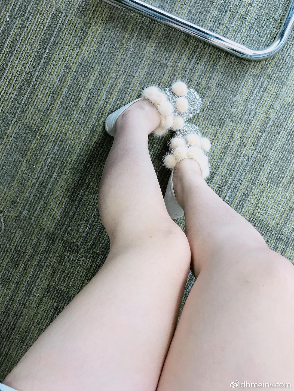 今天穿了可爱的鞋子……