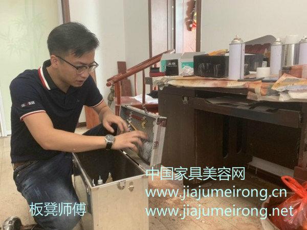 """Qing听当事人丨网红""""板凳师傅""""回应方便面修一切质疑-家具美容网"""