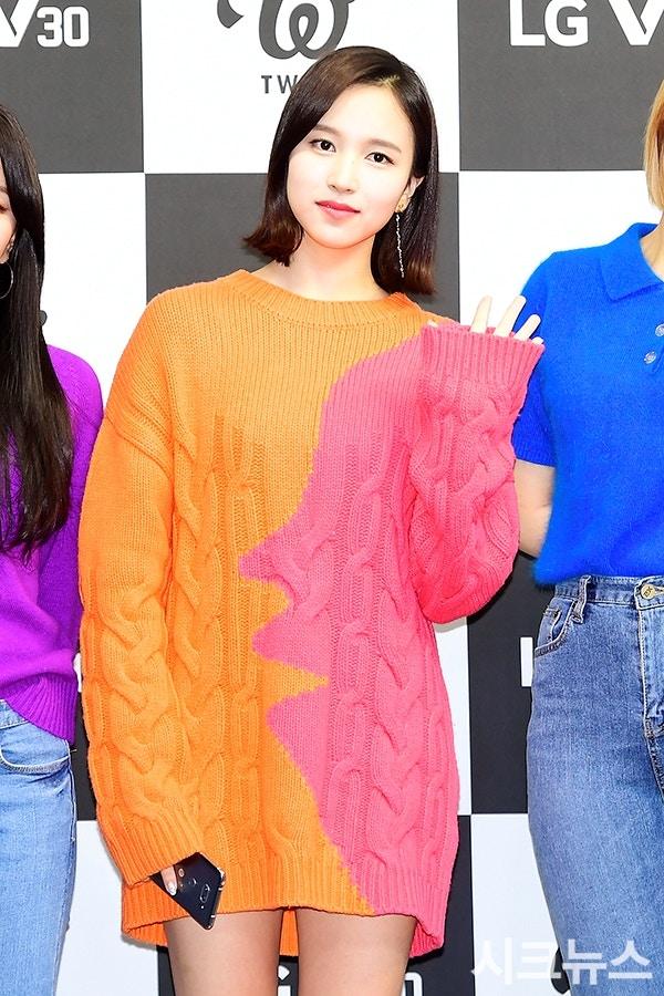 TWICE携新歌回归打歌服被吐槽,粉丝:这是在致敬JYP老板朴轸永吗?插图15