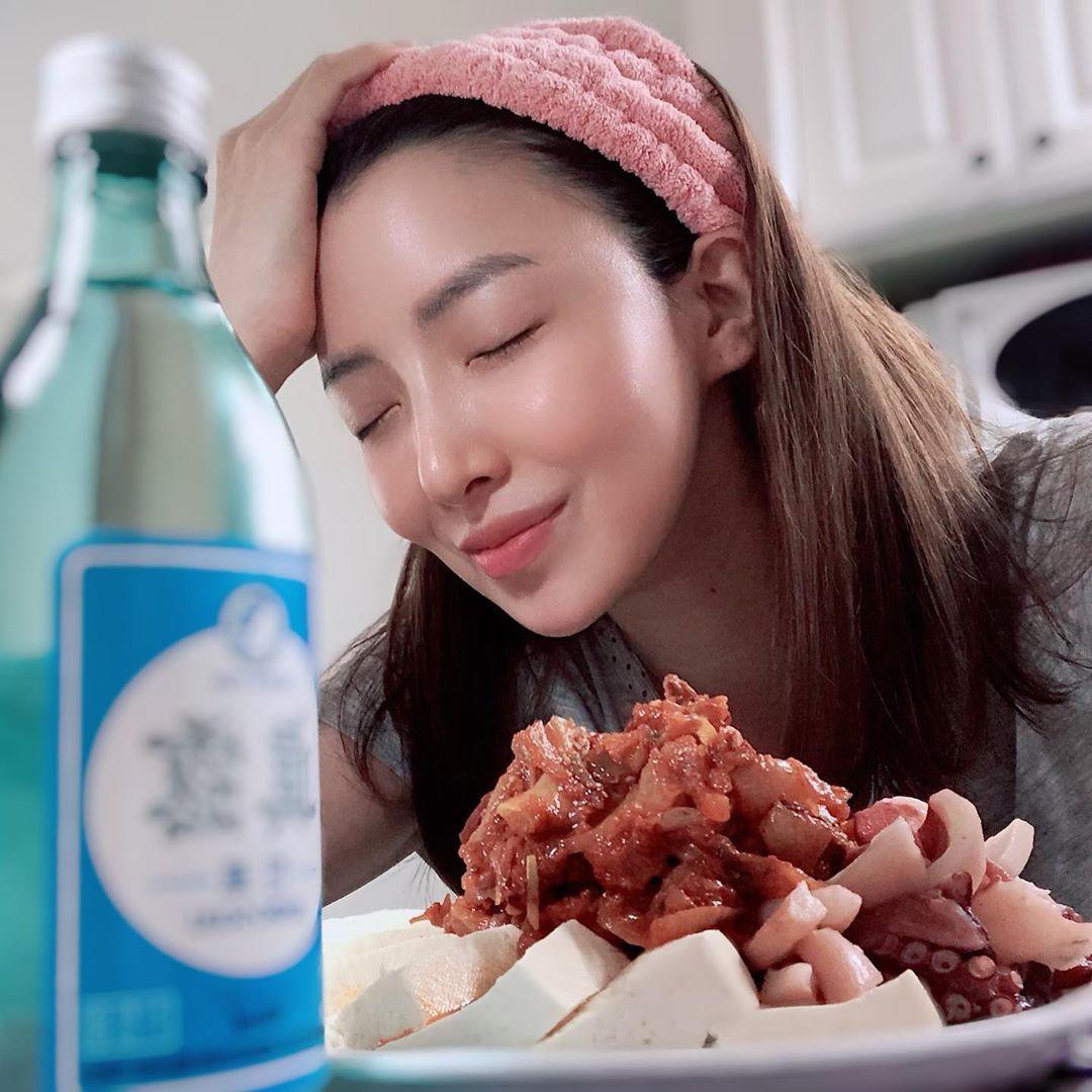 韩国冻龄美女演员当道!除了《夫妻的世界》金喜爱外还有她们!插图(6)