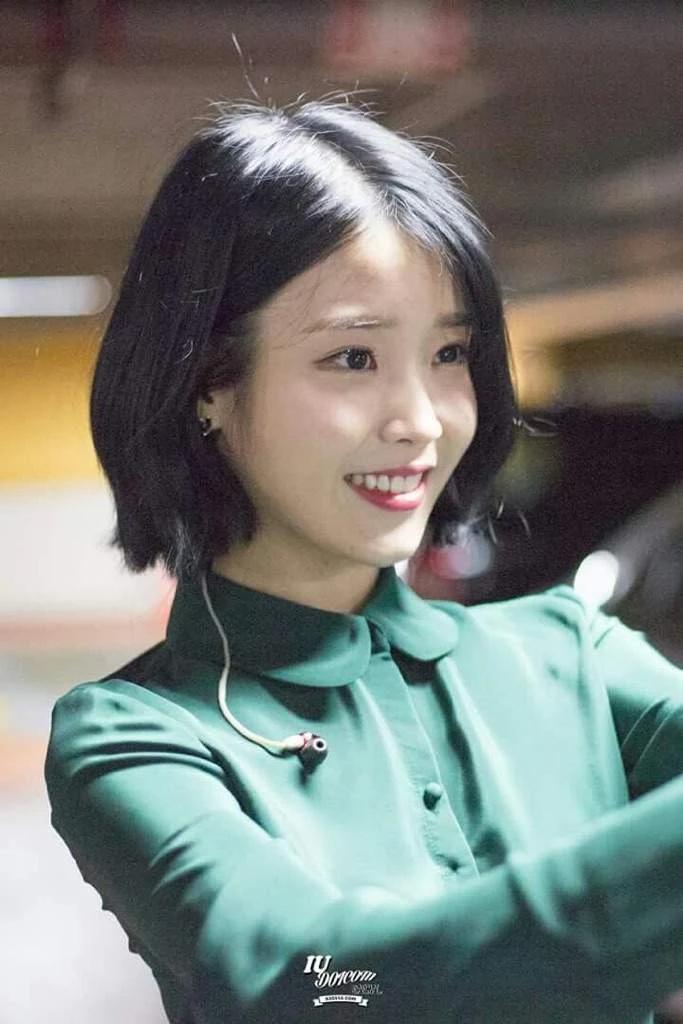韩国当红偶像IU真是什么颜色都能驾驭啊!插图11