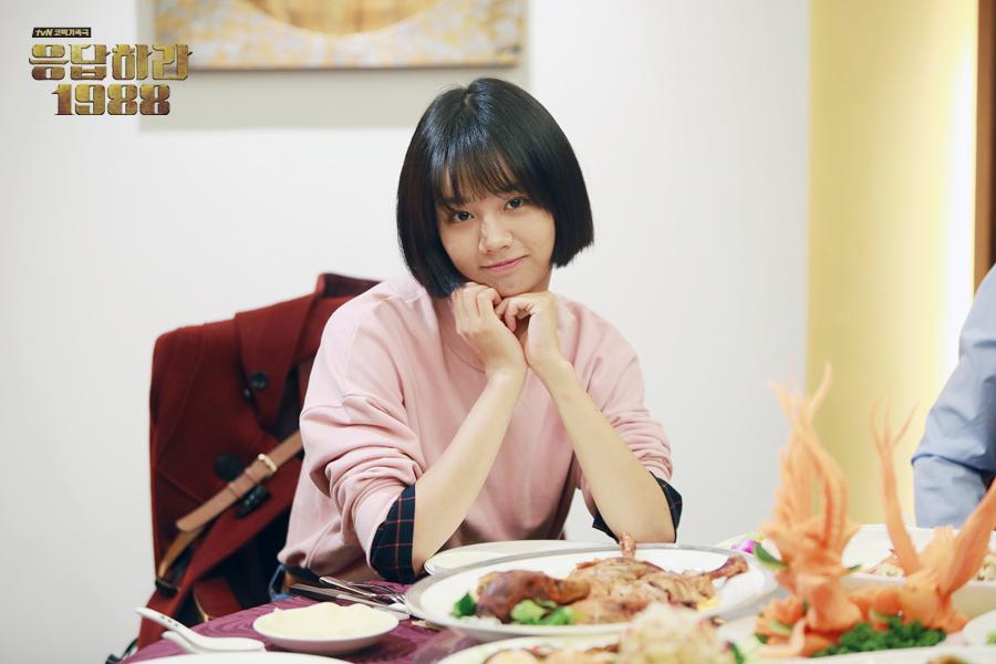 你还记得吗?这5位韩国女偶像的经典名场面,网友感叹允儿真是太美了!插图1